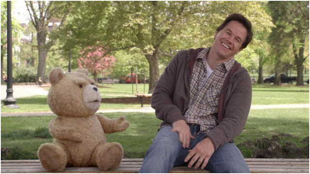 ted-pelicula-oso-mark-wahlberg