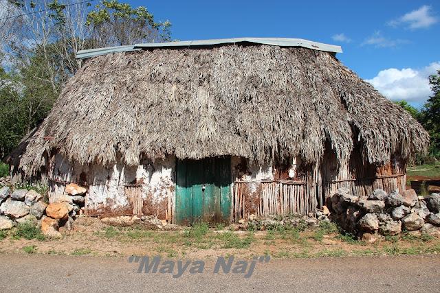 Maya Naj en lengua maya peninsular