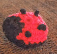 http://translate.googleusercontent.com/translate_c?depth=1&hl=es&rurl=translate.google.es&sl=auto&tl=es&u=http://happyberrycrochet.blogspot.ca/2013/05/how-to-crochet-small-lady-bird-bug.html&usg=ALkJrhhcNFThqR8mDSb_vjZmQoRKzHm_yA