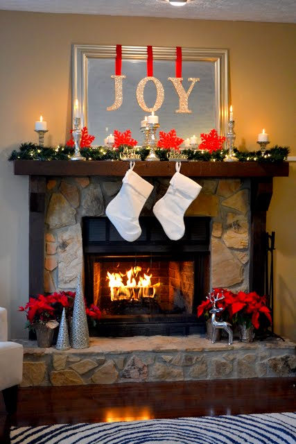Holiday mantel from The Ugly Duckling House