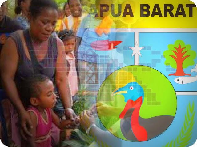 Franky Mobilala, Olimphia Ohoilulin, Sri Resqi  dan Yosim Sapari Terima Penghargaan dari Pemrpov Papua Barat