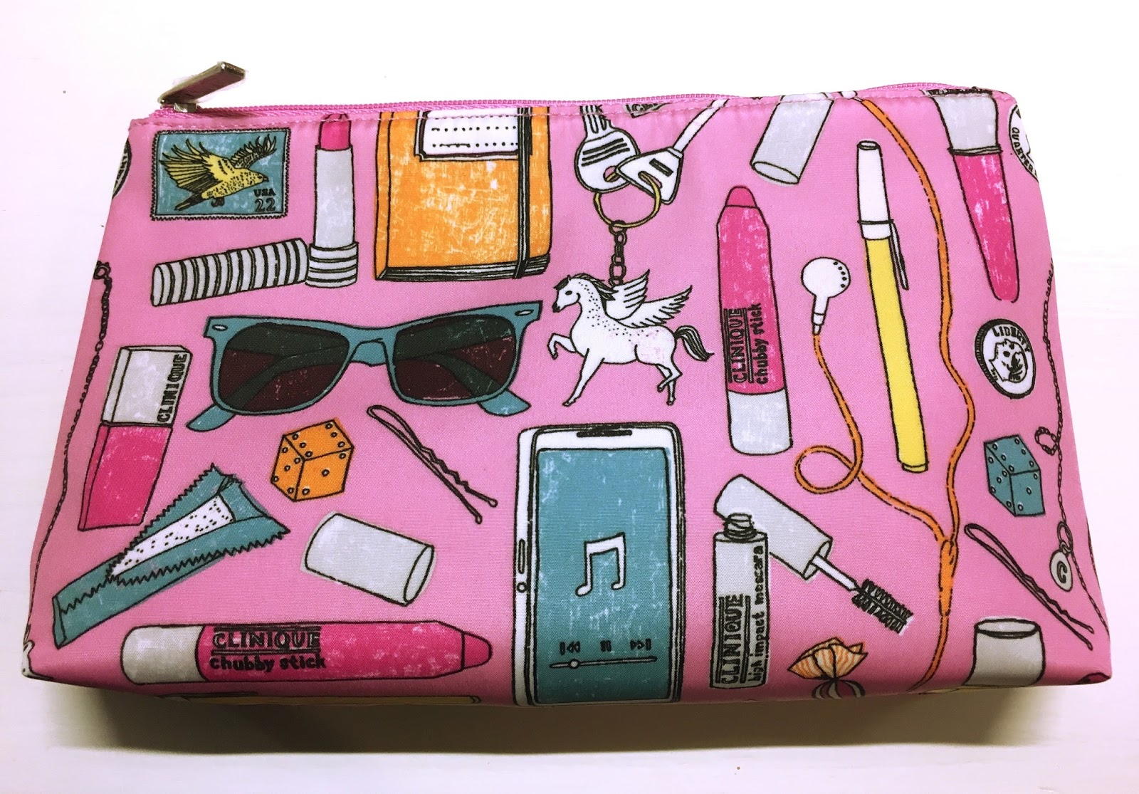 When You Two Items One Of Which Should Be A Treatment Product Moisturiser Serum Foundation Or Mask Get This Super Cute Pink Makeup Bag