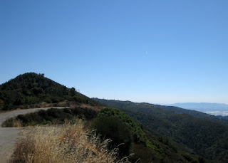 High point along Loma Prieta Way, Los Gatos, California