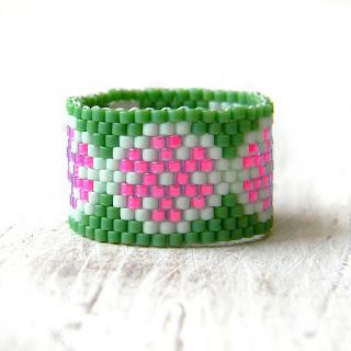 купить кольцо с цветами зеленое с розовым летнее кольцо этника