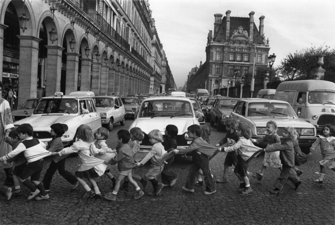 Robert Doisneau, Les tabliers de la rue de rivoli, Paris 1978