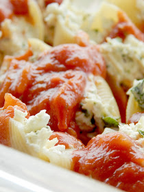 Chicken & Spinach Stuffed Shells...an incredible, creamy, stuffed to the brim recipe that your whole family will love! (sweetandsavoryfood.com)