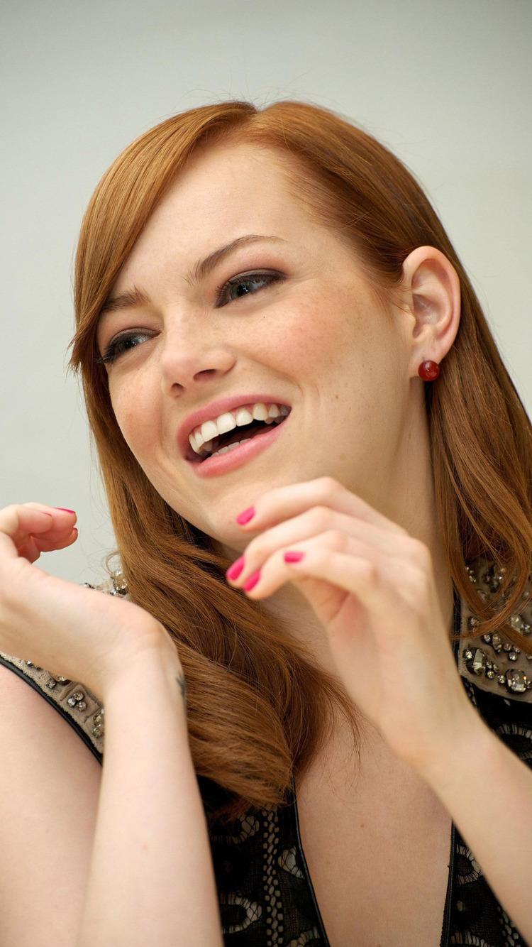 Emma Stone Latest Beautiful Photos