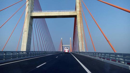 Cầu Bạch Đằng nối giữa Quảng Ninh – Hải Phòng ảnh 4