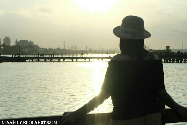 sunset di le bridge ancol