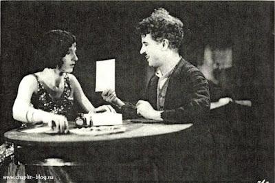 "Чарли Чаплин и Джорджия Хэйл на съемках ""Золотой лихорадки"""