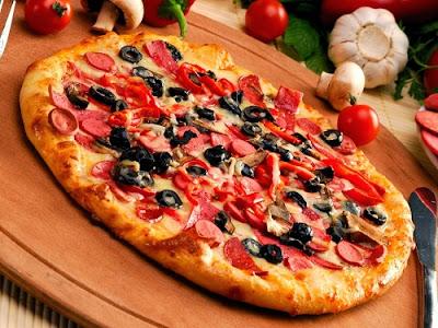 tommato-slice-on-pizza