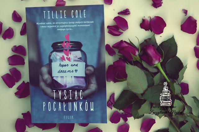 """Poppymin – recenzja książki #231 – Tillie Cole """"Tysiąc pocałunków"""""""