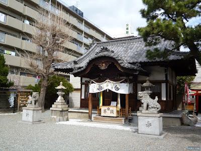 塚本神社拝殿