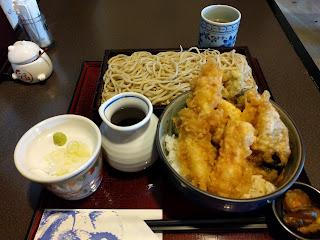 アナゴ天丼ともり蕎麦と漬物