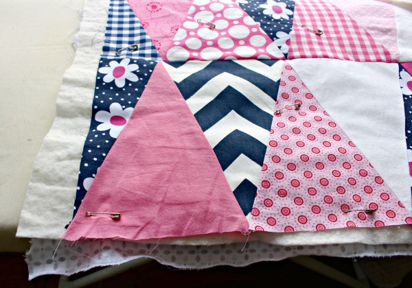 how to mkae a triangle quilt