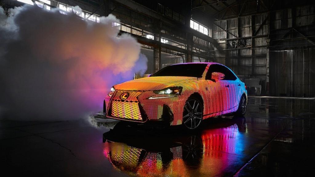 Lexus Nos Sorprende Con Un Coche Que Suma 41.999 LEDs Programables