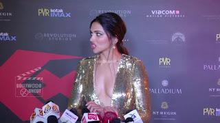 Deepika Padukone Promoting   Return of Xander Cage in India in Golde Gown 82 .xyz.jpg