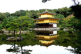 www.fertilmente.com.br - Kinkakuji o Pavilhão Dourado em estilo de construção Chinesa