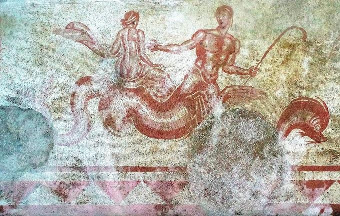 Πολυχρωματικά θαλάσσια μοτίβα της ελληνικής μυθολογίας  αποκαλύφθηκαν στο Trevi της Ιταλίας