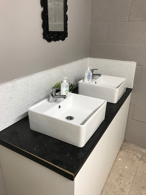 A set of clean, normal sinks