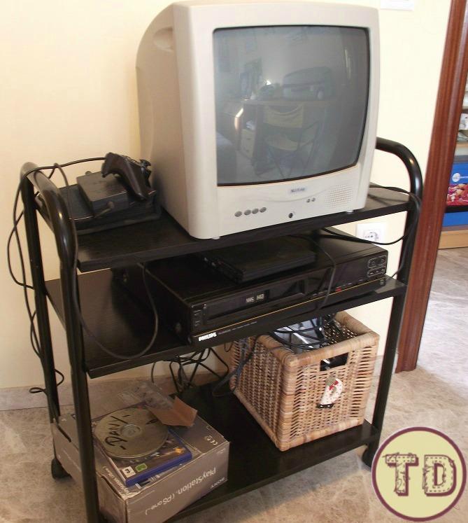 carrito de television pintado 1