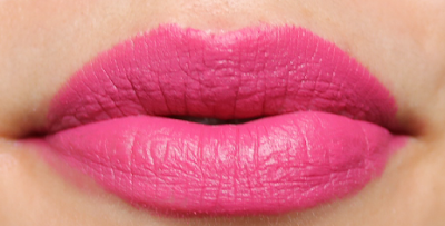 LOLA Matte Longlasting Lipstick in Pink Martini 116