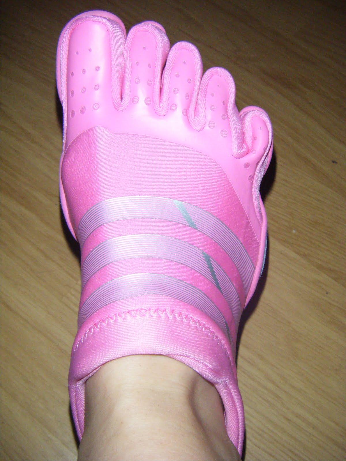 Chaussure 54qd5xwsz Doigt De A Adidas Pied Uqx5nRPO