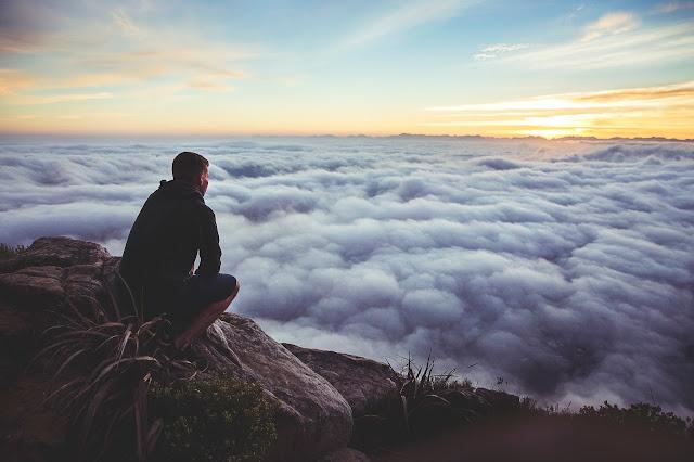 Ciężkie chmury złych myśli.