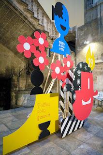 Las Fallas entran en el Palau de la Generalitat de la mano del diseño con un monumento gráfico que rinde tributo al mundo festero