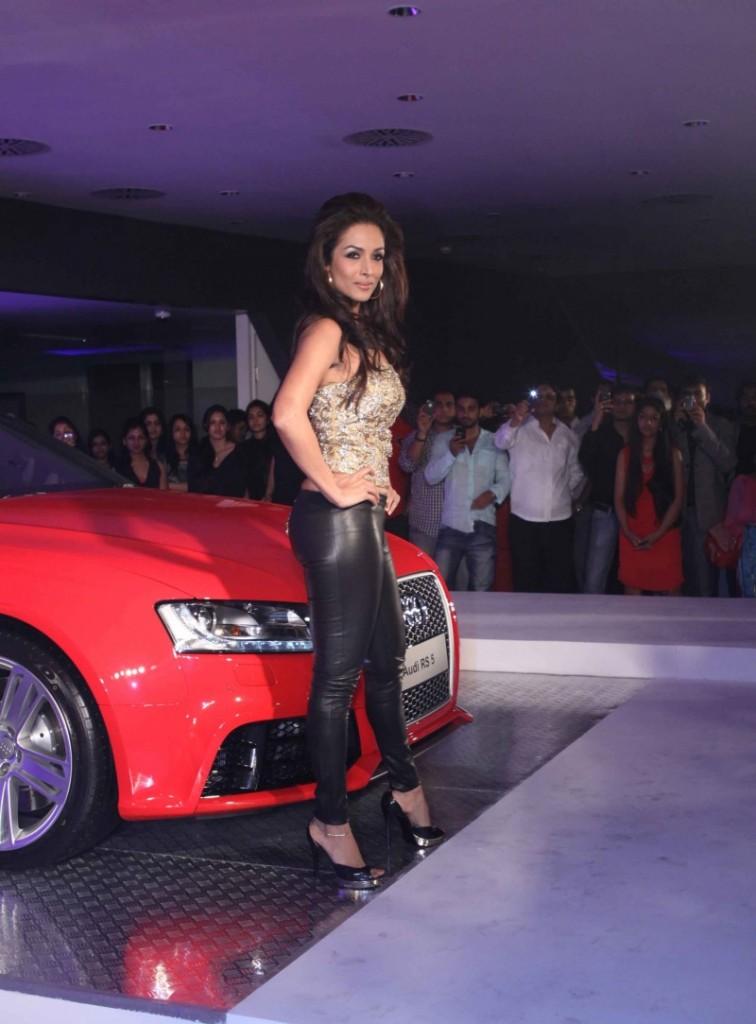 Malaika Arora Khan Sexy Latex Pant  Vikram Phadnis Audi Show-9451