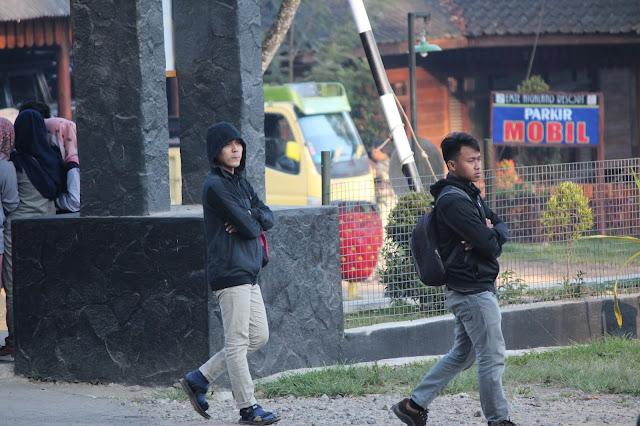 Jadi Baru Kebumen 2018 Tour To Bandung, Best Momen- suasana pagi di base camp kawah putih bandung