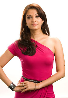 Aishwarya Rai Pink Skin Fit Dress 2
