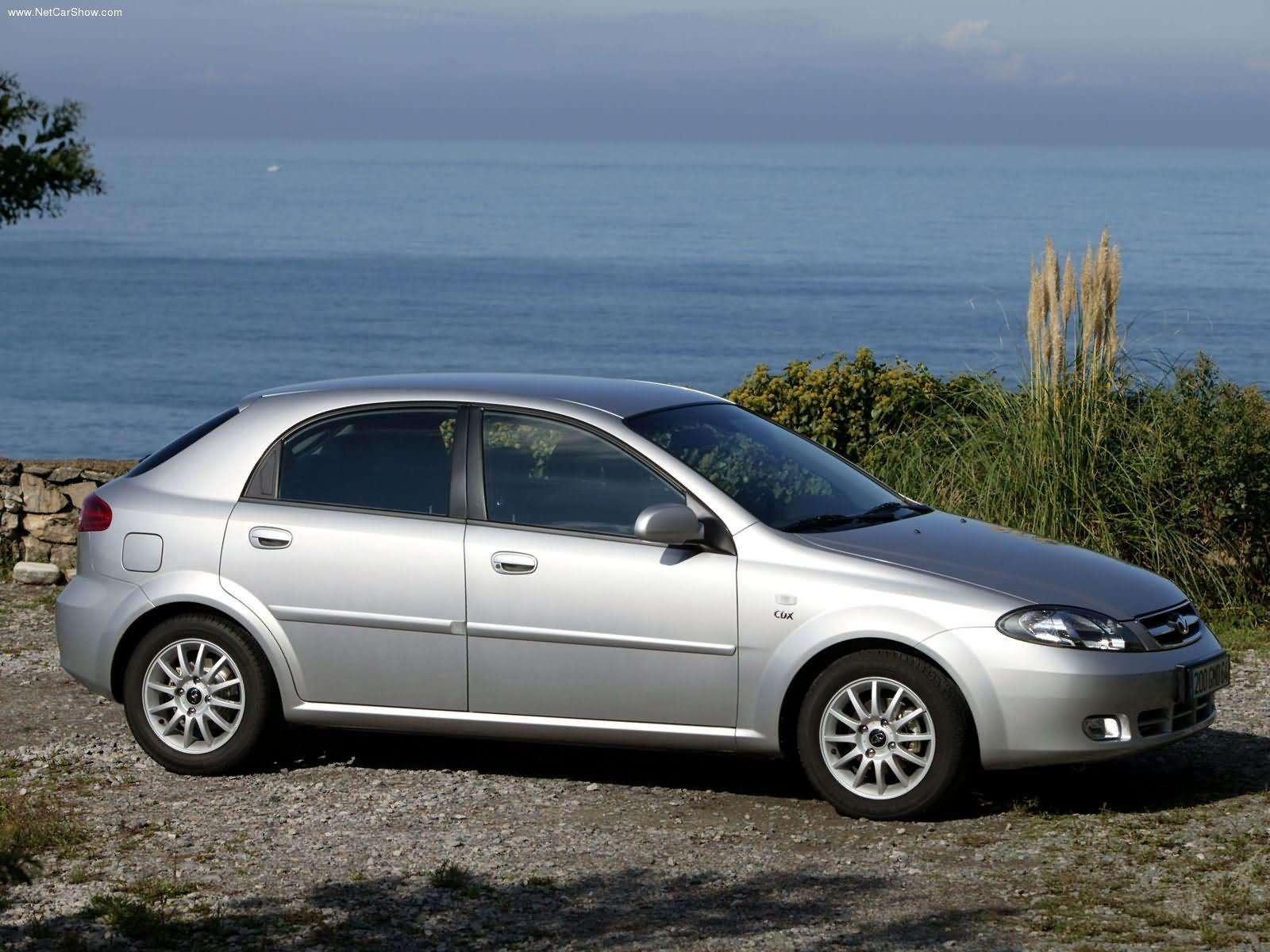 Hình ảnh xe ô tô Daewoo Lacetti CDX 2004 & nội ngoại thất