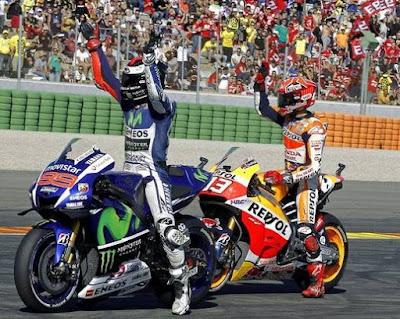 Balapan di Kandang Rossi, Marquez - Lorenzo Dijaga Ketat BodyGuard