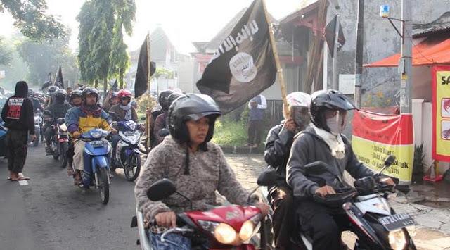 Banyak yang Menonton Pemakaman Santoso, Media Pro Teroris Bangga