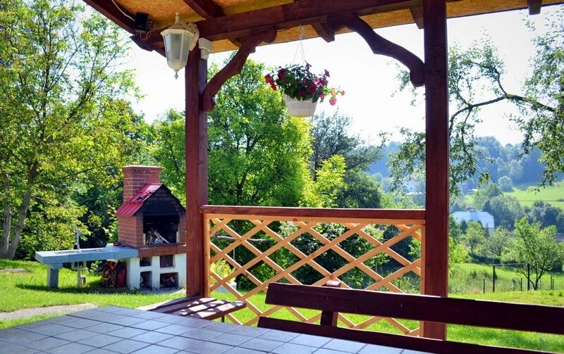 szszlyki, altana, ogrod, grill, co na grill, grillowe przyjecie, wiosna,lato, zielono, rozpalamy grill, majowka, blog, zycie od kuchni