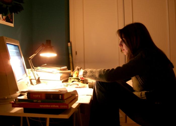 kobieta-przy-komputerze