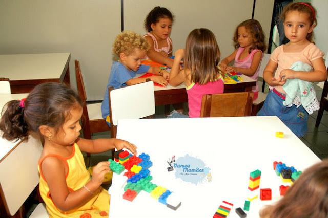 Programação de oficinas infantis para novembro