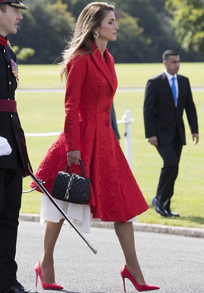 Queen Rania carried LOUIS VUITTON bag