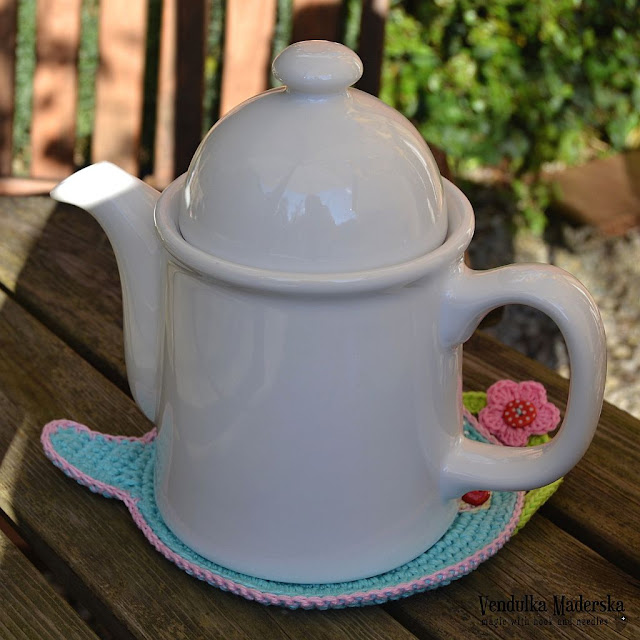 Teapot hot pad