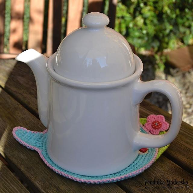 Teapot hot pad