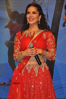 Bollywood Actress Model Sunny Leone Dance Performance in Red Half Saree at Rogue Audio Launch 13 March 2017  0002.jpg