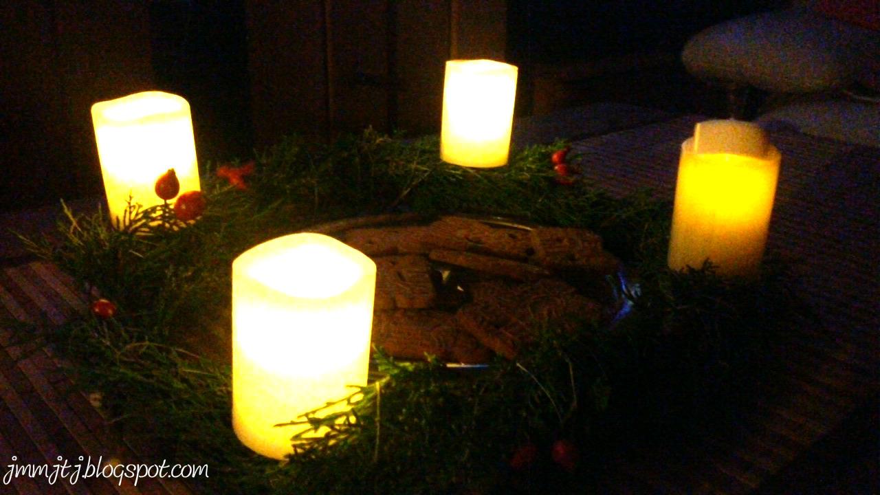 Led kerzen am adventskranz befestigen