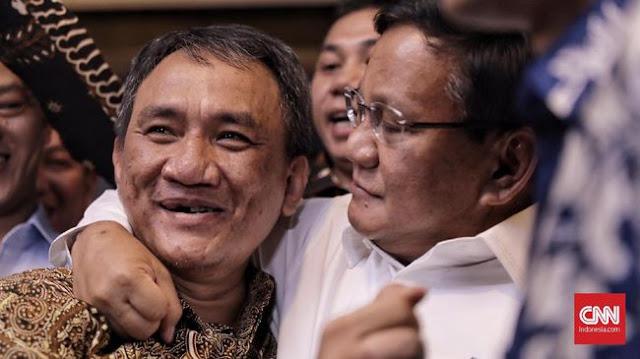 Sempat Sebut Jenderal Kardus, Andi Arief Dirangkul Prabowo, Terbuat dari Apa Hati Prabowo?
