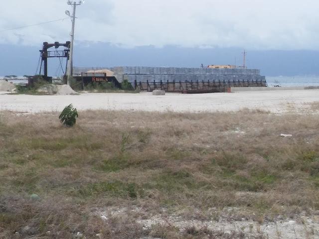 Empresa Khoury Industrial continúa sacando riquezas de Barahona, contaminando y dañando el medio ambiente y la salud de los munícipes.