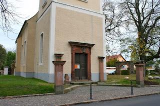 Eingangsportal Kirche Holzhausen