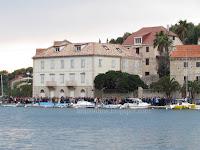 Planinarski križni put za vjernike Hvarske biskupije Milna slike otok Brač Online