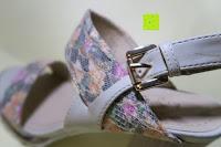 Verschluss: Alexis Leroy Blockabsatz Blume gedruckt Damen Offene Sandalen mit Keilabsatz