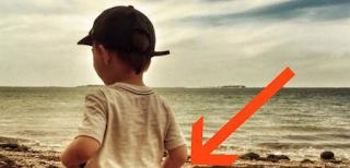 Ανέβασε αυτήν την Φωτογραφία του γιου της από την παραλία και έφαγε άγριο κράξιμο. Δείτε την ολόκληρη και θα καταλάβετε…