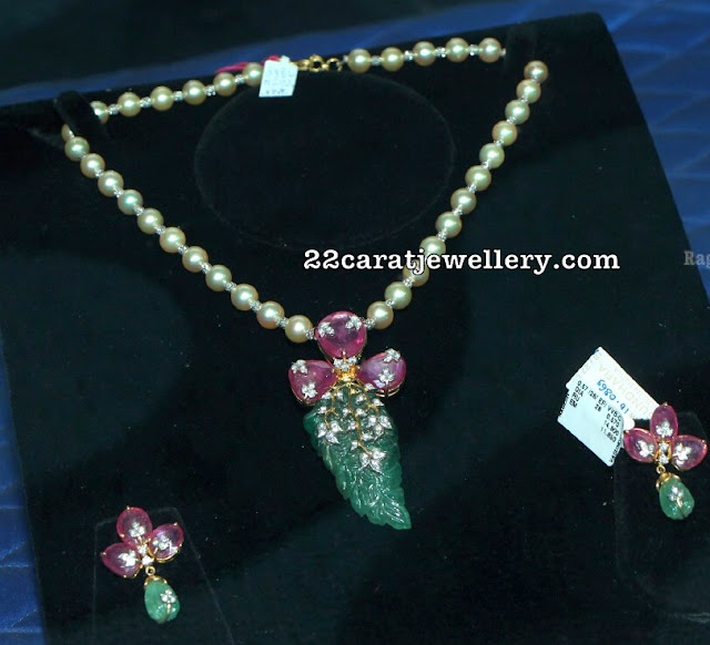 Very Simple Fascinationg Necklace